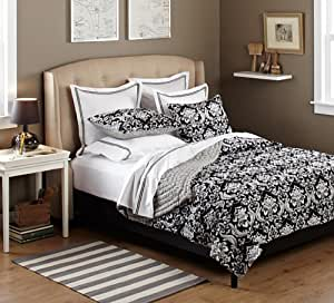 Pinzon 100-Percent Cotton Printed Full/Queen Quilt Set, Black/White Damask