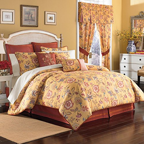 Jardin Queen Comforter Set by Croscill