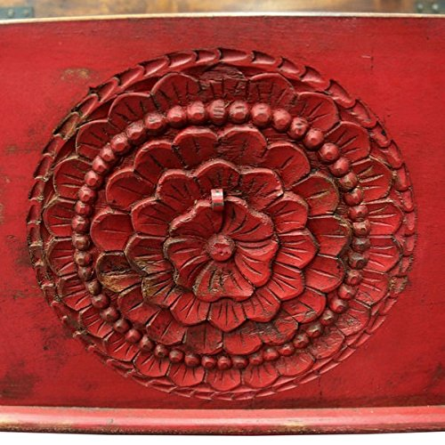 Wanderloot Leela Red Hand-carved Medallion Coffee Table Trunk (India) 5