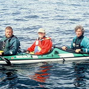 In the Path of Giants: A California Gray Whale Research Project   [Patricia L. Lawrence]