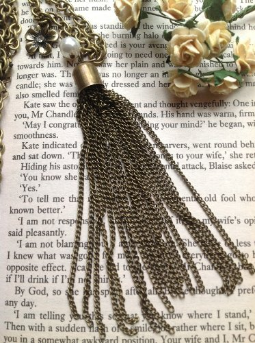 Vintage Jewelry - Retro 70's Inspired Tassle Pendant Necklace - Boxed & Gift Wrapped