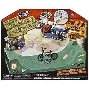 Flick Trix Matt Beringer's Backyard Mini-Ramp Plus 1 Finger Bike & DVD Playset