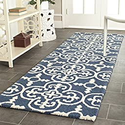 Safavieh Cambridge Collection CAM133G Handmade Navy and Ivory Wool Runner, 2 feet 6 inches by 6 feet (2\'6\