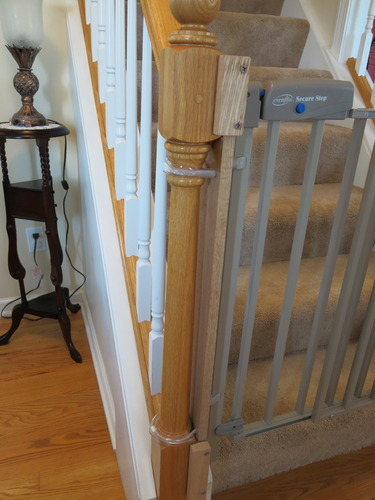 Amazon Com Evenflo Secure Step Top Of Stair Gate Taupe