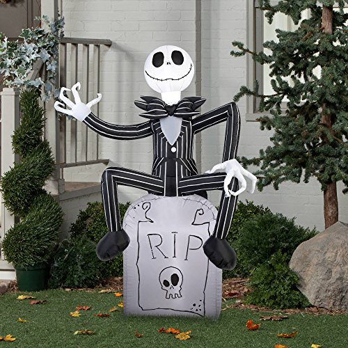 Halloween inflatable outdoor scarecrow a nightmare before for Airblown decoration
