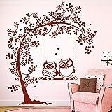 """Wandtattoo Loft """"Zwei verliebte Eulen auf einer Baumschaukel"""" – Wandtattoo / 49 Farben / 4 Größen / braun / 115 x 131 cm"""