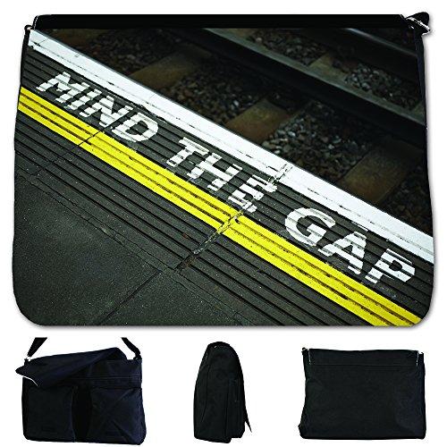 fancy-a-bag-umhangetasche-schwarz-mind-the-gap-sign-on-london-underground