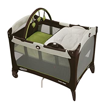 Graco Pack 'n Play Playard with Reversible Napper and Changer, Go Green