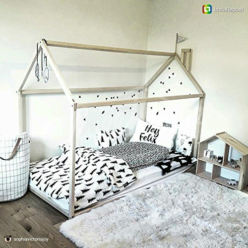 Twin size house bed
