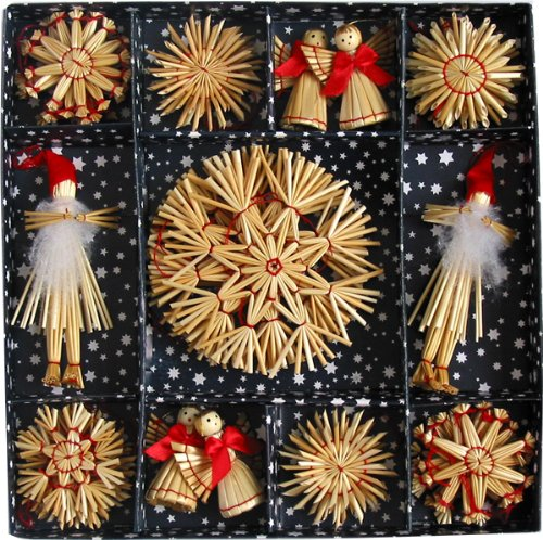 Christmas Tree Sweden: Scandinavian Christmas Tree Decorations: Nordic Style