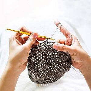 DABHAND 72 Pcs Crochet Hooks Set, Crochet Hooks Kit Plus Large-Eye Blunt Needles Ergonomic Yarn Knitting Needles Marking Clips Tools Set with Crochet Accessories (Color: Scoltp-151, Tamaño: Ssiz.nm-5648)
