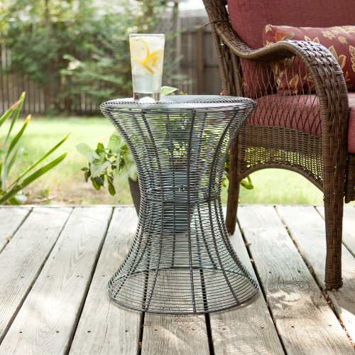 SEI 18.5-Inch Indoor/Outdoor Round Metal Accent Table, Silver