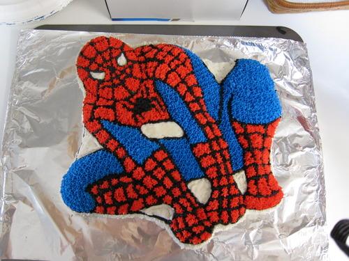 Amazon Com Wilton Amazing Spider Man Cake Pan Novelty Cake Pans Kitchen Amp Dining