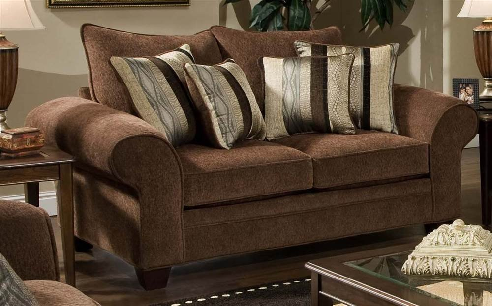 Upholstered Loveseat in Chocolate