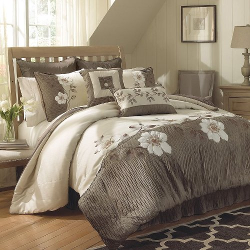 Chapel Hill By Croscill Catalina Comforter Set, Queen