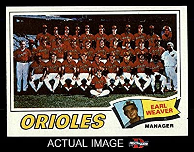 1977 Topps # 546 Orioles Team Checklist Earl Weaver Baltimore Orioles (Baseball Card) Dean's Cards 7 - NM