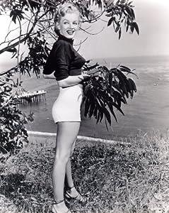 Amazon.com: Marilyn Monroe Photo Norma Jean Short Shorts
