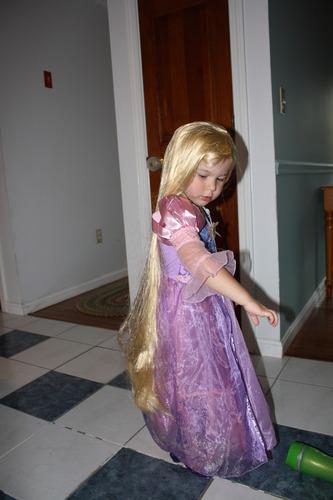 Amazon.com: Tangled Rapunzel'S Longest Hair Wig (Window ... - photo #6