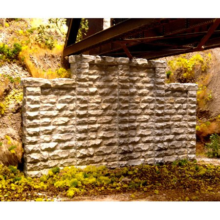 Chooch Enterprises HO Scale Cut Stone Stepped Wall