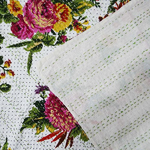 Impresión floral Gudri Blanco Kantha Stitch Pure Cotton Quilt Queen Size Bed Spread 108 X 94