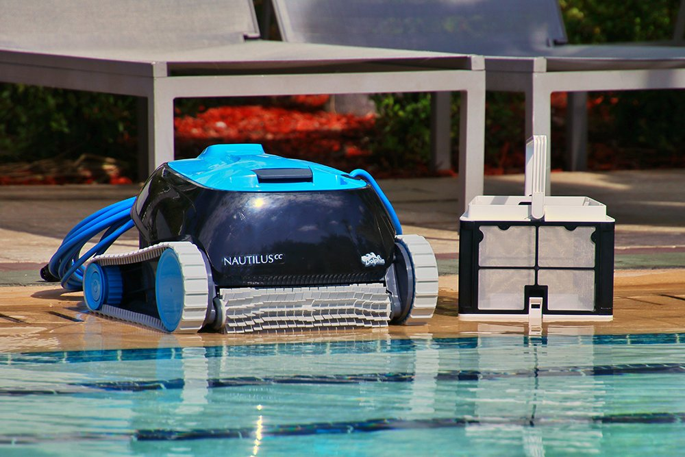 Dolphin Nautilus with CleverClean Robotic Pool Cleaner