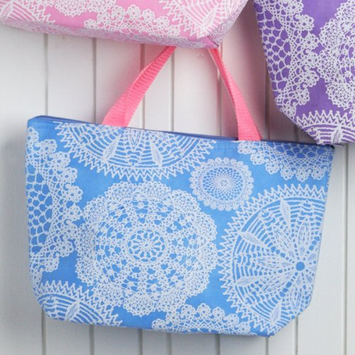Doily Lightweight Thermal Lunch Tote (Blue Doily)