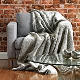 Bobbin & Co? Luxury Faux Fur Throw - Fur Throw For Living Rooms and Bedrooms Extra Large 150cm x 200cm (Grey)