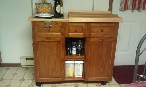 Amazon.com - Powell Medium Oak Kitchen Butler - Kitchen Storage Carts
