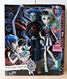 Picture Of Monster High Love in Scaris Garrott du Roque & Rochelle Goyle Doll Pair