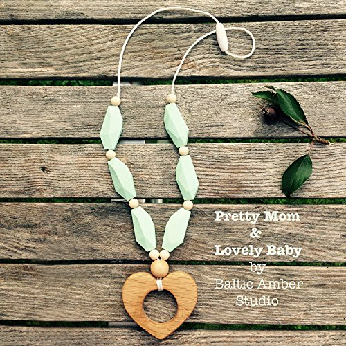 Oak-Heart-Designer-Teething-Necklace-Gift-Box-Silicone-Natural-Wood-Jewelry