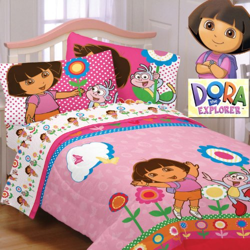 Dora the Explorer Cheerful Bloom Comforter