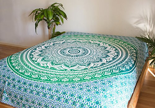 Urbancharm tapisserie indienne verte ombre hippie tenture for Decoration murale indienne