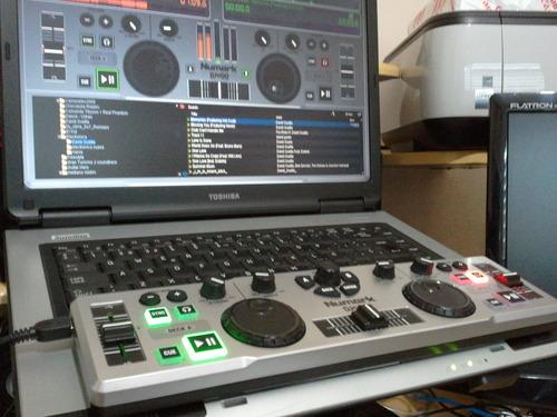Máy DJ - Numark DJ2Go USB DJ Controller. Mua hàng Mỹ tại e24h. vn