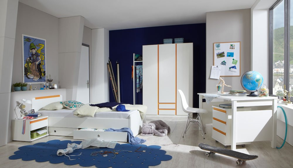 Jugendzimmer 4-tlg. in Alpinweiß und Abs. in Orange, Kleiderschrank B: 135 cm, Bett 90×200 cm Rollcontainer B: 46 cm, Schreibtisch B: 140 cm