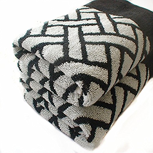 Ustide Black and White Plaids Towels Thicken Hand Towels Vintage Style Face Towel Cotton 18.11''x28.35'' (Vintage Bath Towels compare prices)