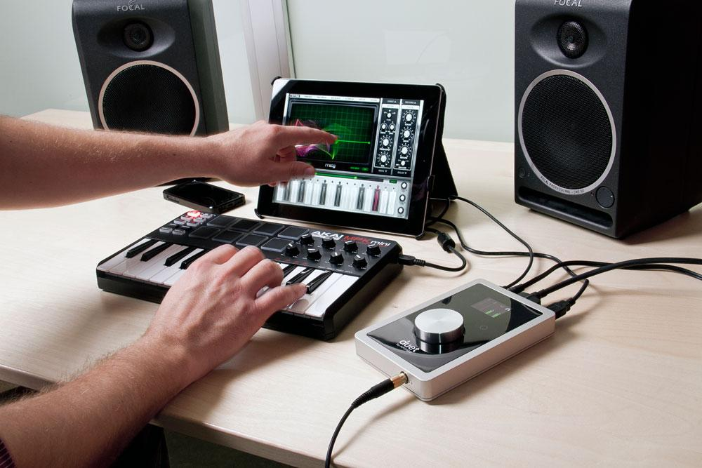 apogee duet audio interface for ipad mac musical instruments. Black Bedroom Furniture Sets. Home Design Ideas