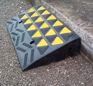 Rampe per marciapiede parte centrale 10 cm fai for Garage per auto modulari 3