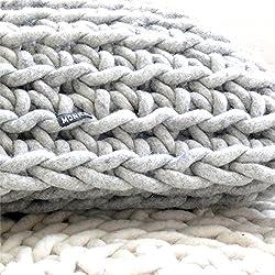 Handgehäkeltes Kissen - grau handgehaekelt kissen strick wolle