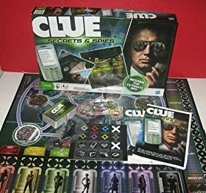 CLUE SECRETS AND SPIES BY HASBRO (FAIMLY GAME)
