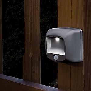 Mr Beams MB520 Wirelsss Battery-Operated Indoor/Outdoor Motion-Sensing LED Step/Stair Light, Brown, 1-Pack, (Color: Brown, Tamaño: 1-Pack)