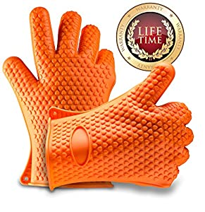 Valdeen(TM) Best Quality Silicone Heat Resistant Gloves - STOP BURNING YOUR HANDS - Perfect Holiday Gift - Ideal For All Kitchen & BBQ uses, Can be used as Oven Mitts - Pot Holders - Fire Place Gloves - Grill Gloves - Perfect For Opening Tough Jars - Clea