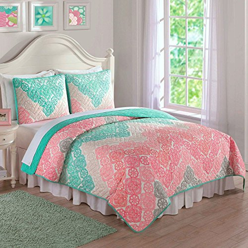 Laura-Hart-Antique-Chevron-Quilt-Set