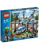 LEGO CITY 4440 - Stazione Polizia Forestale