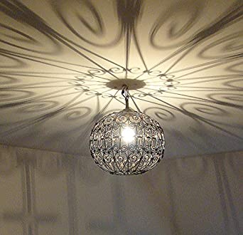 lustre plafonnier marocain marocain en fer forg lampe boule marocaine artisanat maroc. Black Bedroom Furniture Sets. Home Design Ideas