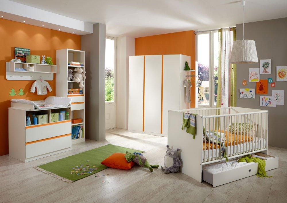 4-tlg. Babyzimmer in Alpinweiß und Abs. in Orange , Kleiderschrank Breite: 135 cm, Babybett 70 x 140 cm, Wickelkommode mit Aufsatz Breite: 90 cm