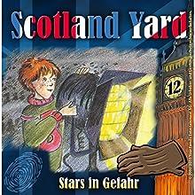 Stars in Gefahr (Scotland Yard 12) Hörspiel von Wolfgang Pauls Gesprochen von: Sascha Draeger, Christian Stark, Svenja Pages, Freddy Quinn