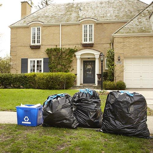 Hefty Ultra Strong Large Trash Bags (Multipurpose, White Pine, Drawstring, 30 Gallon, 25 Count)