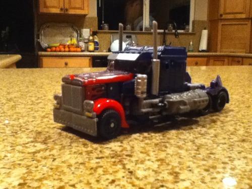 Transformers: Dark of the Moon - MechTech Voyager - Optimus Prime