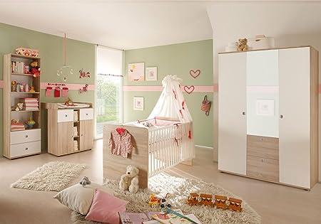 4-tlg. Babyzimmer komplett Set WIKI 2 in Eiche Sonoma / Weiß Babymöbel Komplettset mit grossem Kleiderschrank mit 3 Turen (davon 1 Spiegeltur), Babybett, Lattenrost, Wickelkommode mit Wickelaufsatz und Standregal, Komplettzimmer Möbel komp