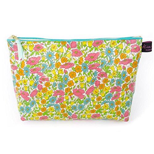 poppy-daisy-liberty-wash-bag